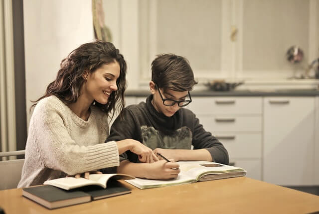Homeschooling Pros and Cons 2
